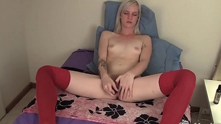 Sexy Yanks Ari Fucks Her Old Vibe